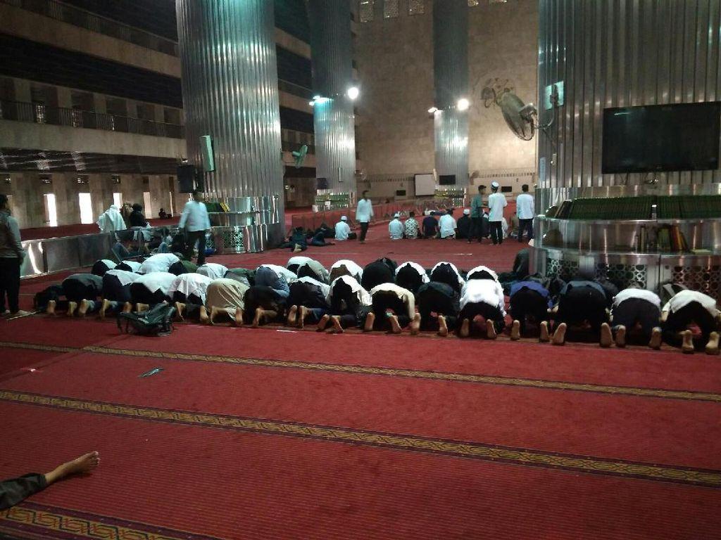 Sebelum Pulang, Massa Aksi 287 Salat Asar di Istiqlal