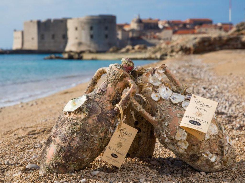 Di Sini Anda Bisa Menyelam Sambil Melihat Pembuatan Wine di Dasar Laut!