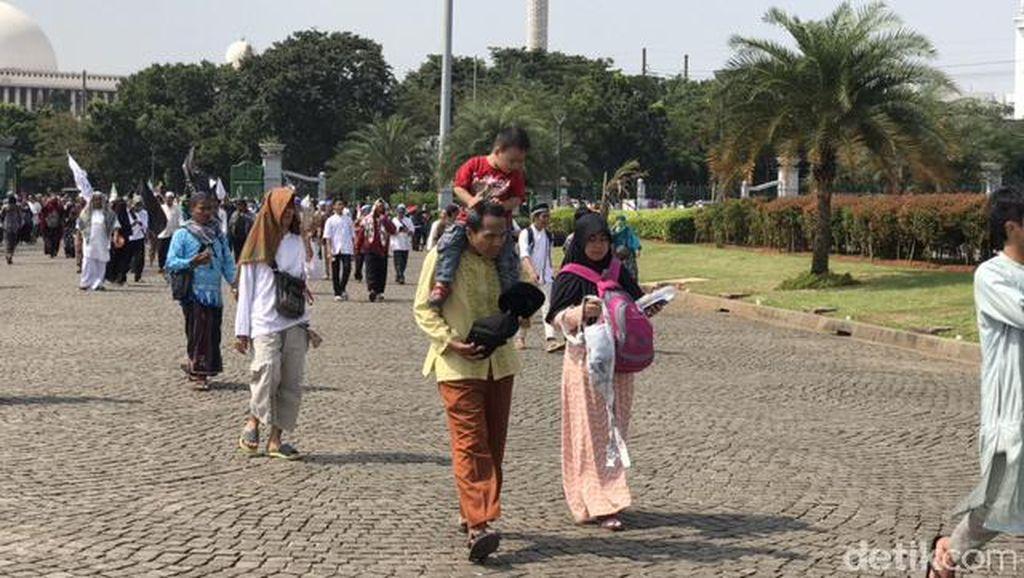 Foto: Ibu-ibu hingga Balita Ikut Aksi Tolak Perppu