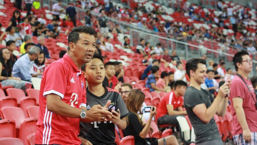 Meriahnya Laga Bayern vs Inter di Singapura