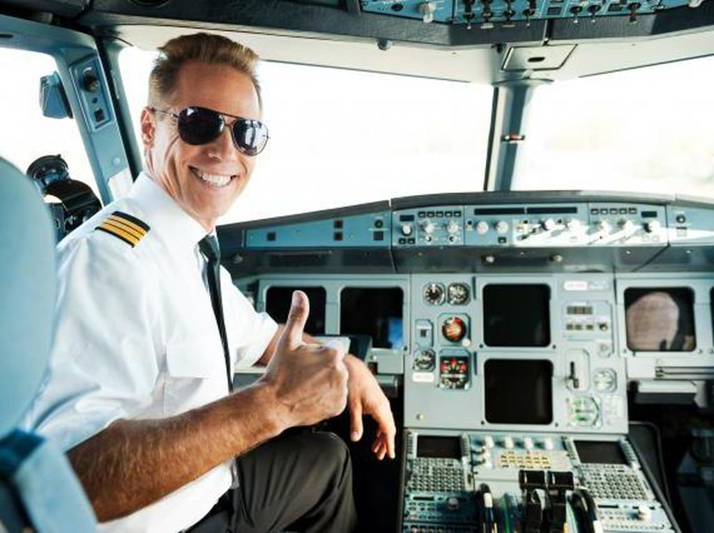 Berapa Gaji Pilot di Indonesia dan Luar Negeri?