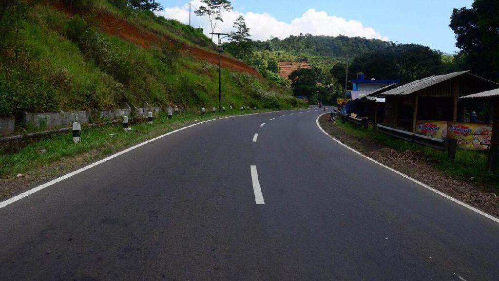Foto : Jalan Lintas Selatan Pulau Jawa Terus Dipercepat
