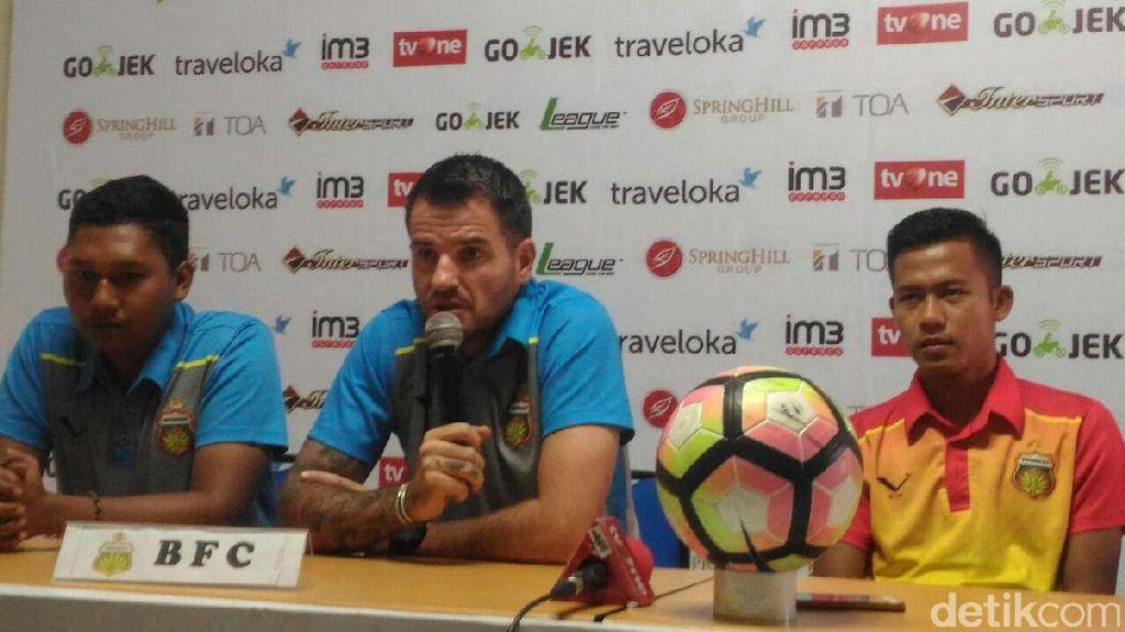 Persija Mengadang Jalan Bhayangkara FC Menuju Juara Paruh Musim