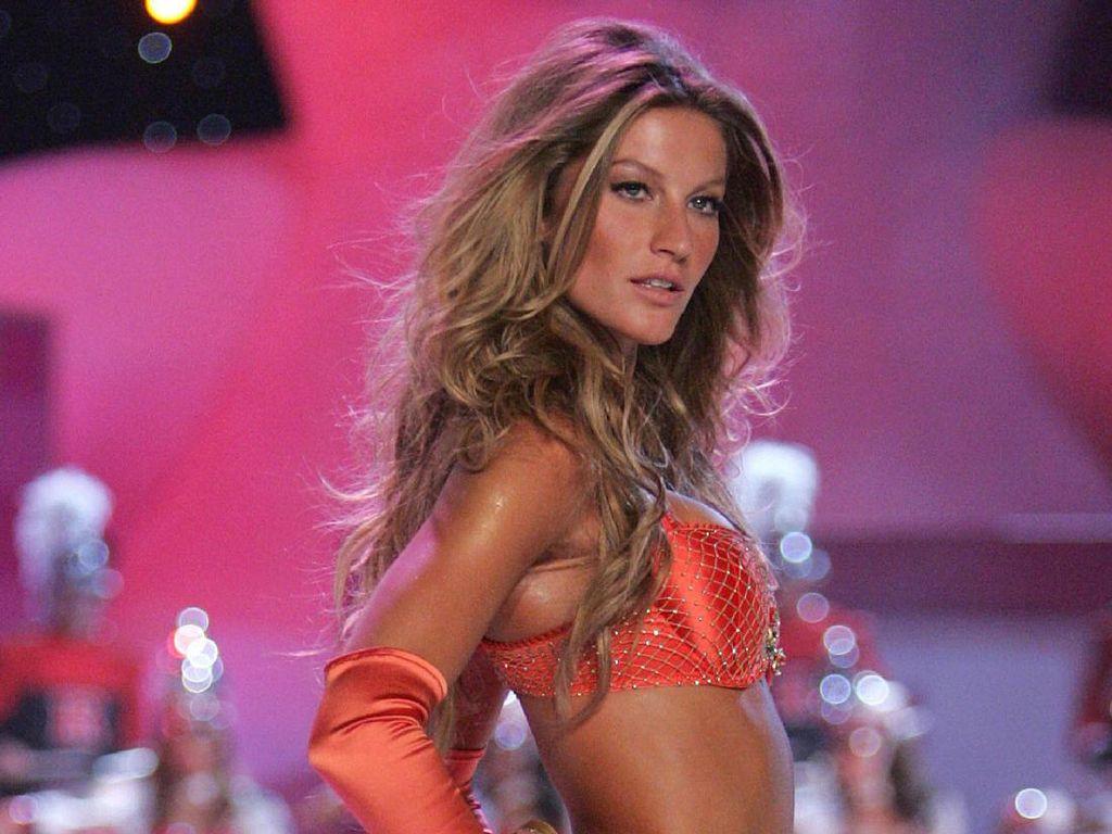 Foto: Saat Para Model Berpendapatan Tertinggi Dunia Beraksi di Catwalk