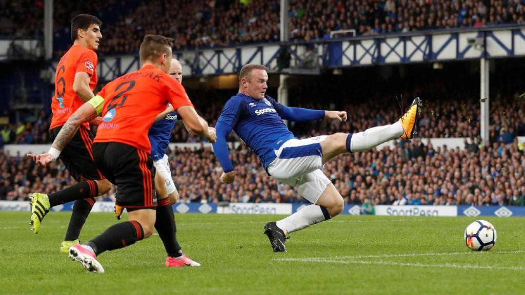 Melihat Debut Rooney di Eropa bersama Everton