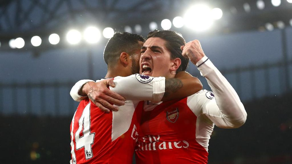 Formasi Baru Arsenal Bikin Bellerin Tak Nyaman