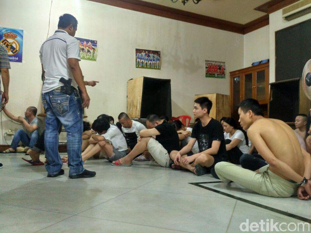 Kasus Cyber Crime, 3 Pemilik Rumah di Surabaya Diperiksa Polisi