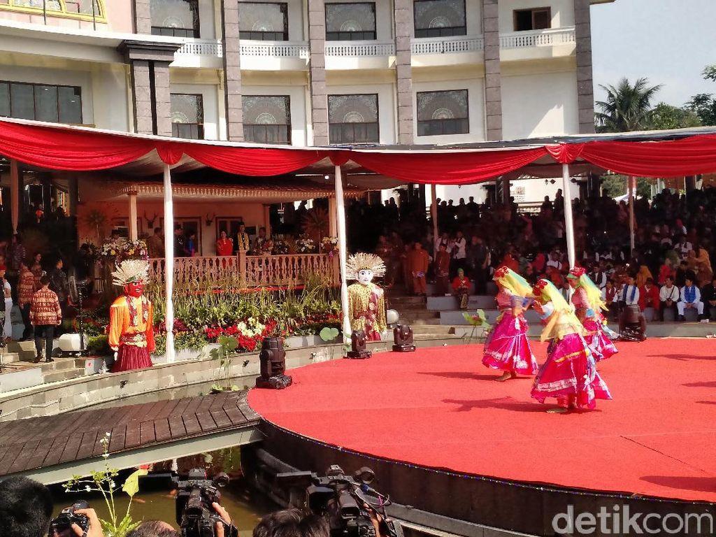 Jokowi: Intervensi Peradaban Barat Sudah Mendesak Kita