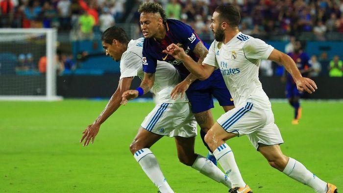 Barcelona menang tipis 3-2 atas Real Madrid (Chris Trotman/Getty Images)