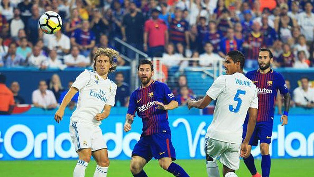 El Clasico di AS Milik Barcelona