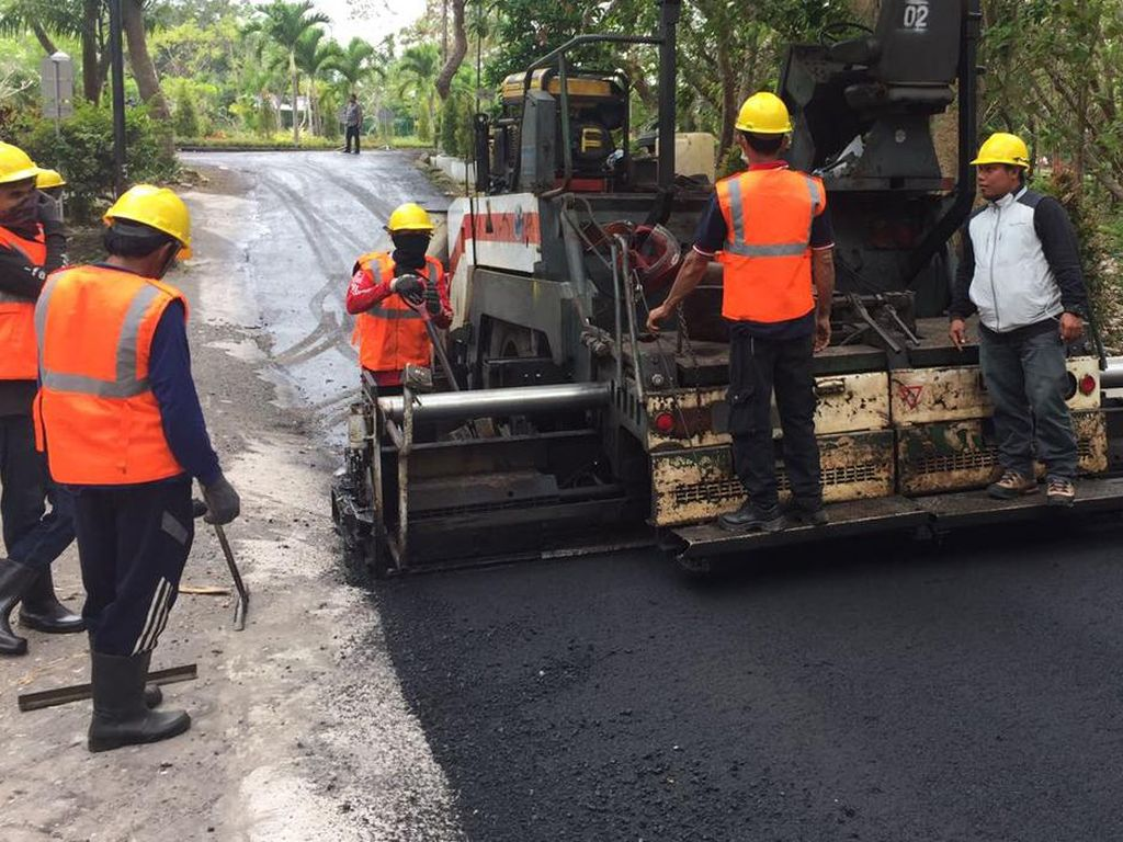 Jokowi Campur Limbah Plastik Jadi Aspal, China Hingga India Juga Pakai
