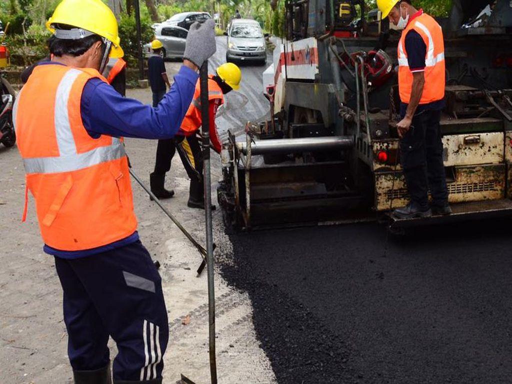 Butuh Campuran 2,5 Ton Limbah Plastik Bikin 1 Km Jalan Aspal