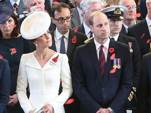 <i>Stunning</i>! Cantiknya Kate Middleton dengan <i>Coat Dress</i>