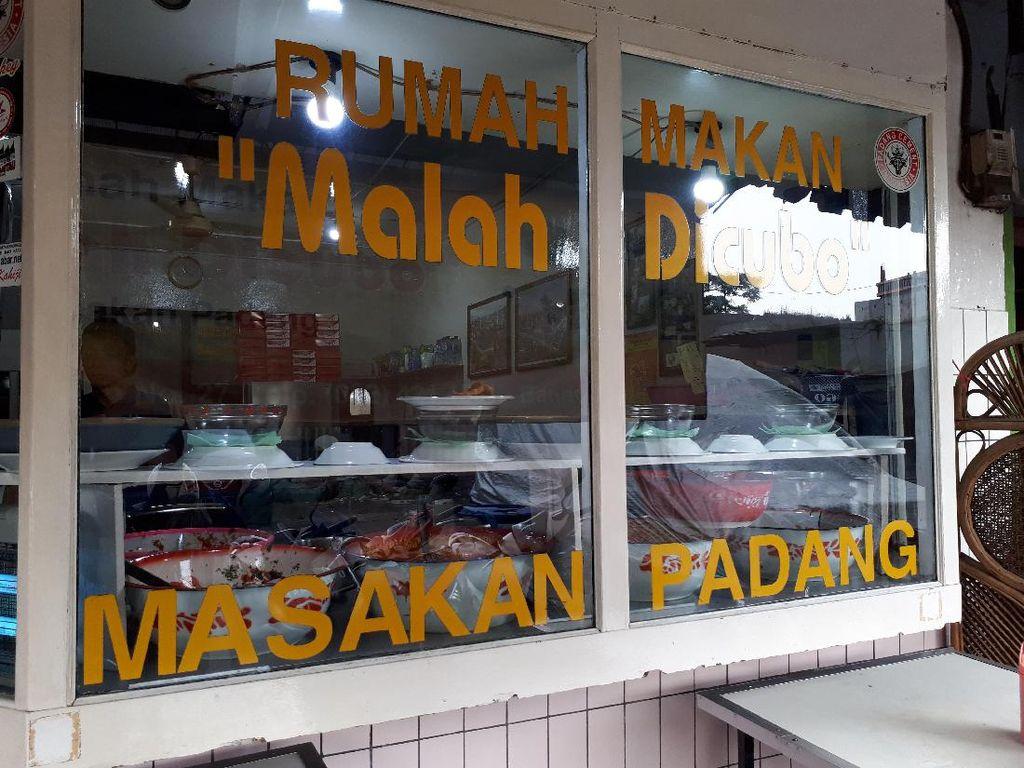Mencoba RM Padang yang Konon Terenak di Bandung