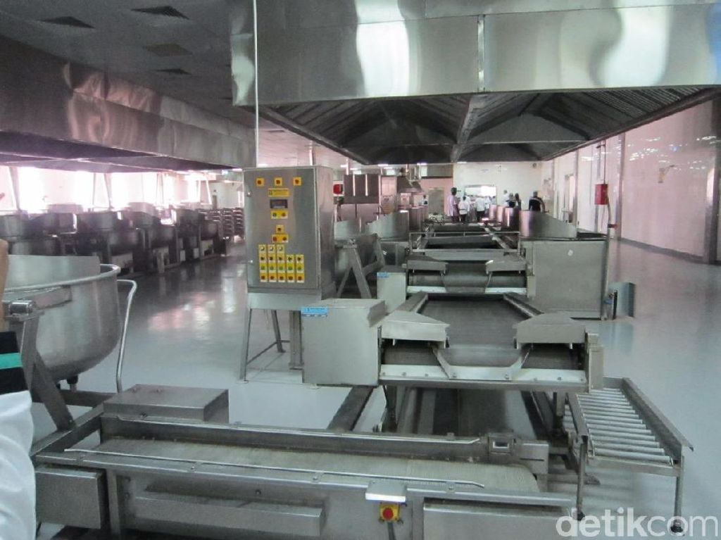 Melongok Dapur Raksasa Pembuatan Makanan Jemaah Haji Indonesia