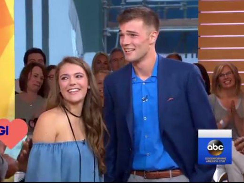 Setelah 3 Tahun, Begini Pertemuan Pertama Pasangan Tinder yang Sempat Viral