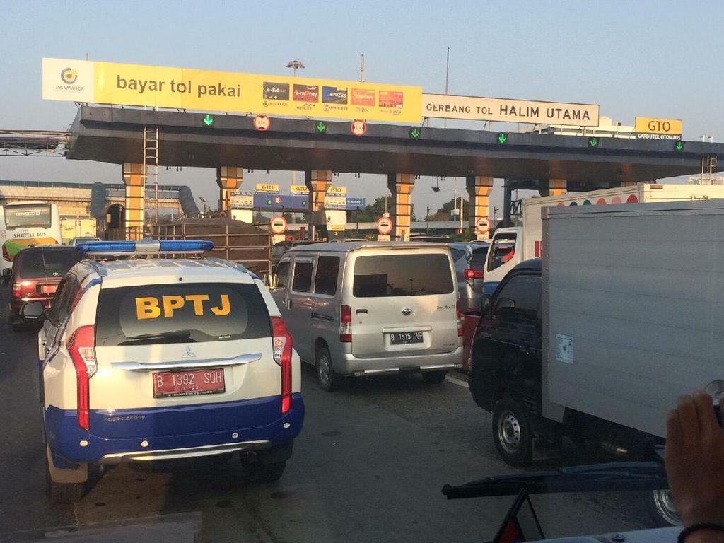 Waktu Tempuh Bus Gratis Bekasi Barat-Bundaran HI 100 Menit