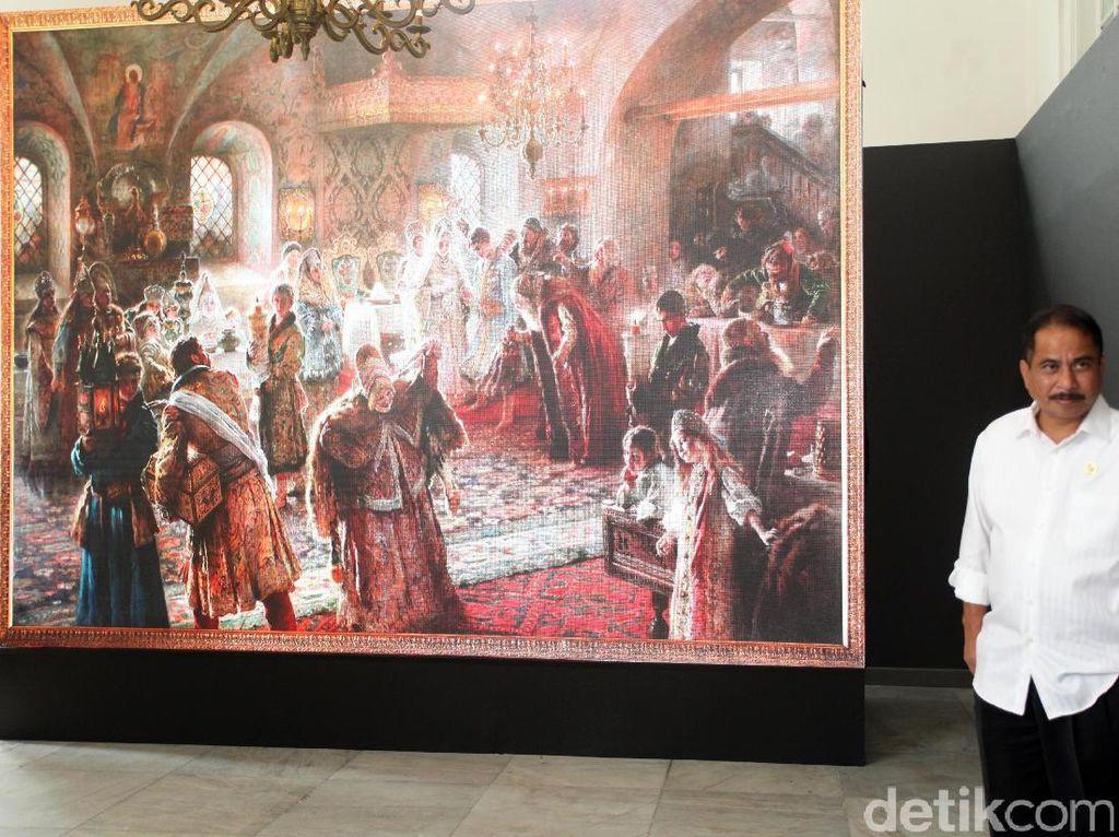 Cerita Lukisan Raksasa LED Pelukis Makovsky yang Dipajang di Jakarta