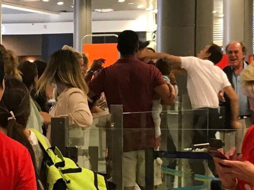 Parah! Staf Bandara Prancis Tonjok Penumpang yang Gendong Bayi