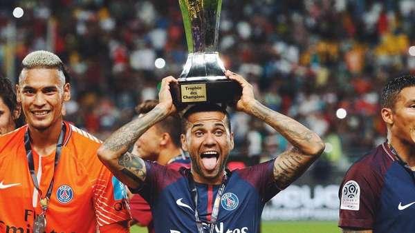 Dani Alves di PSG: 1 Laga, 1 Gol, 1 Assist, 1 Trofi