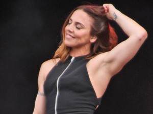 Tampil dengan Tubuh Kekar, Eks Anggota Spice Girls Tuai Pujian