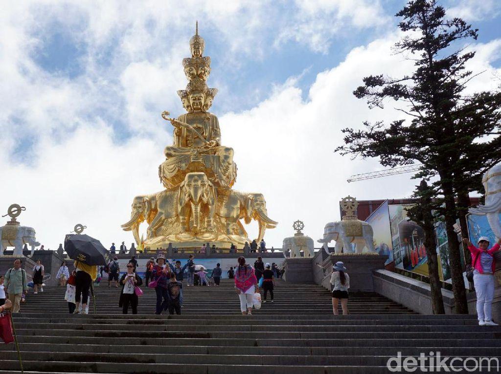 Ini Dia Patung Buddha Emas Raksasa di China