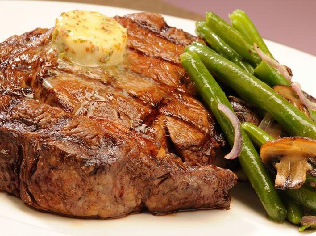 Habis Gajian? Yuk, Cicip Rib Eye Steak untuk Makan Siang Ini