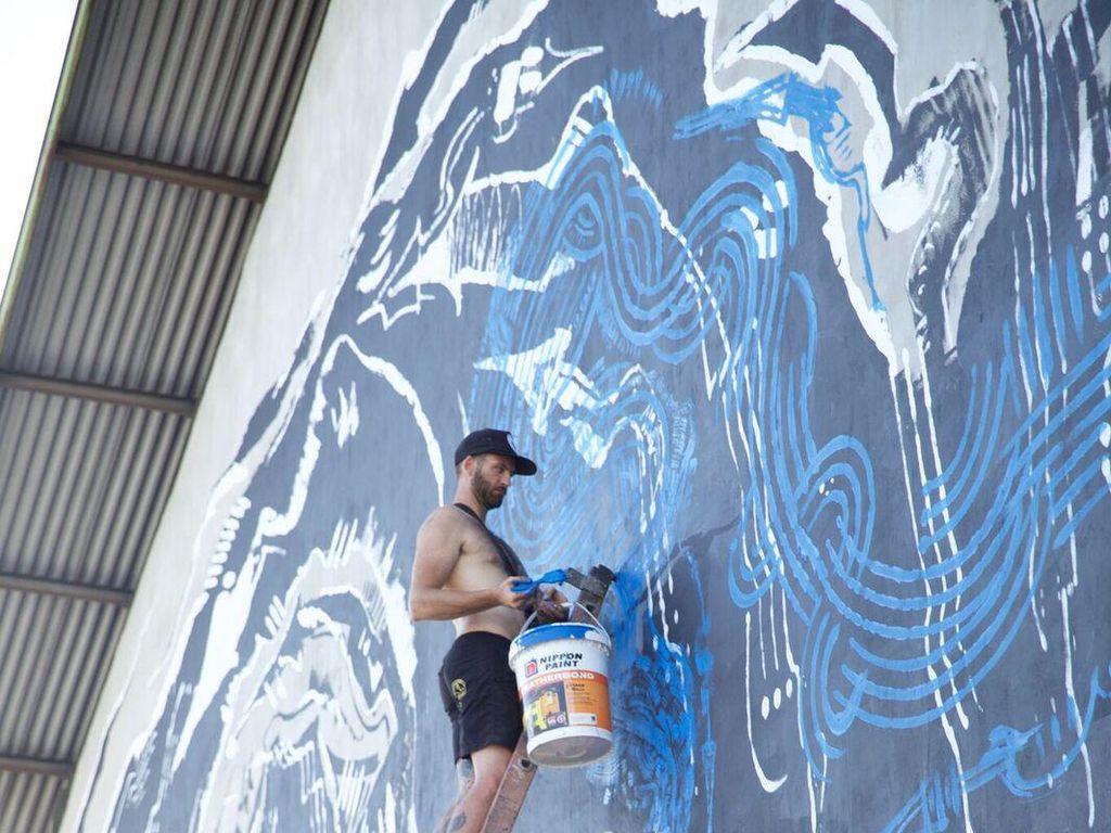 45 Seniman Mural Ramaikan Tropica Fest 2017