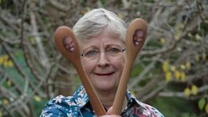 Nenek dari Australia Keliling Dunia Berkat Sendok