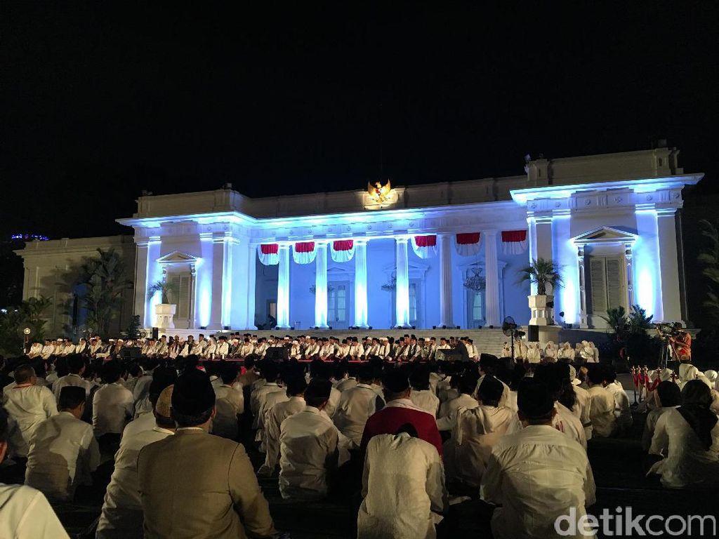 Jokowi Gelar Zikir dan Doa untuk Bangsa di Istana