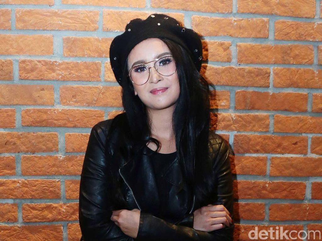 Ayushita akan Datang ke Resepsi Bella dan Emran di Indonesia Bila Diundang