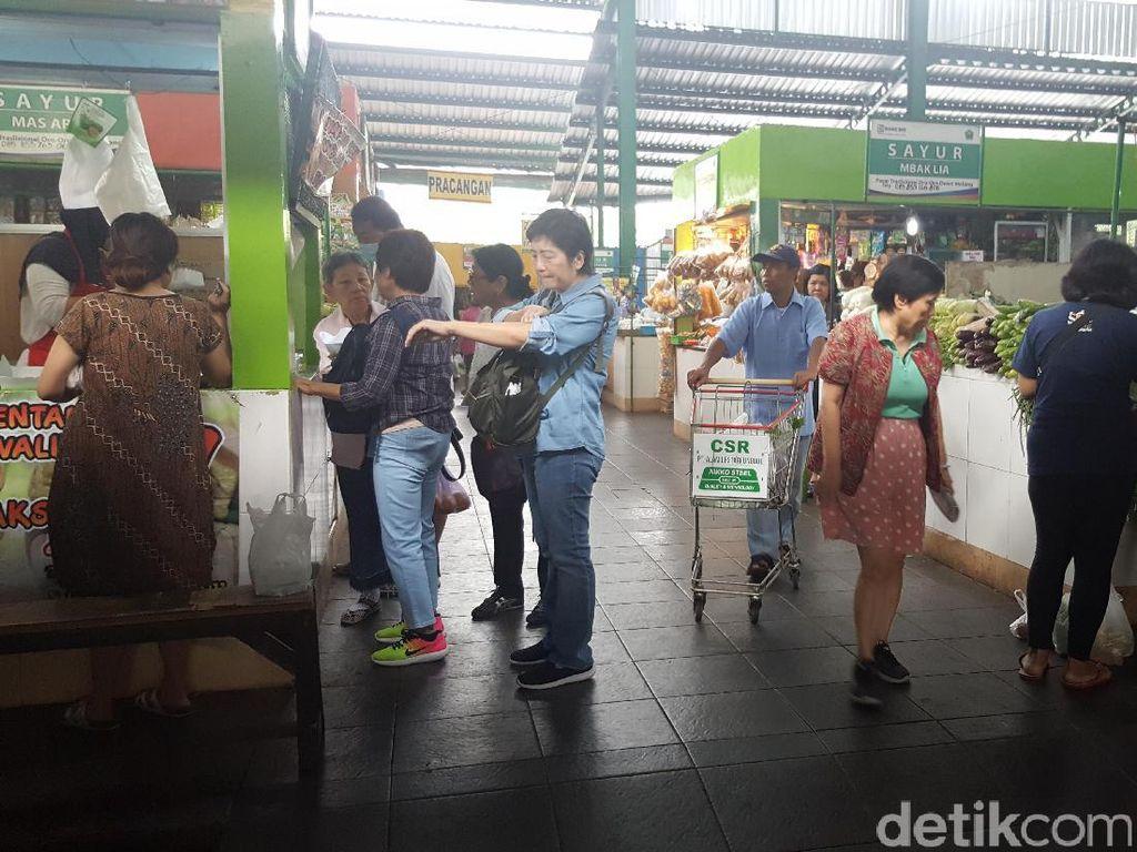 Bersih dan Nyaman, Pasar Oro-Oro Dowo Ramai Dikunjungi