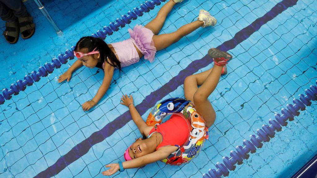 Foto: Di Taiwan, Anak-anak Bisa Berenang di Dalam Gerbong MRT