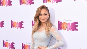 Jennifer Lopez hingga Kim K Bantu Korban Badai Harvey