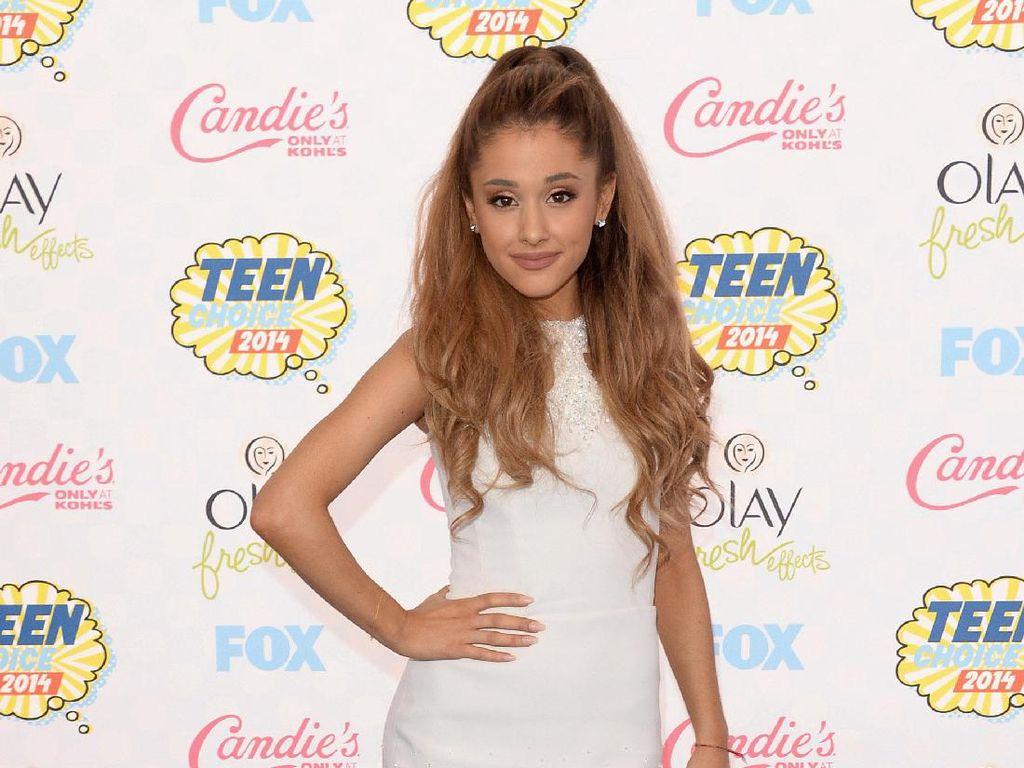 Ariana Grande Bocorkan Hasil Kolaborasi dengan Nicki Minaj