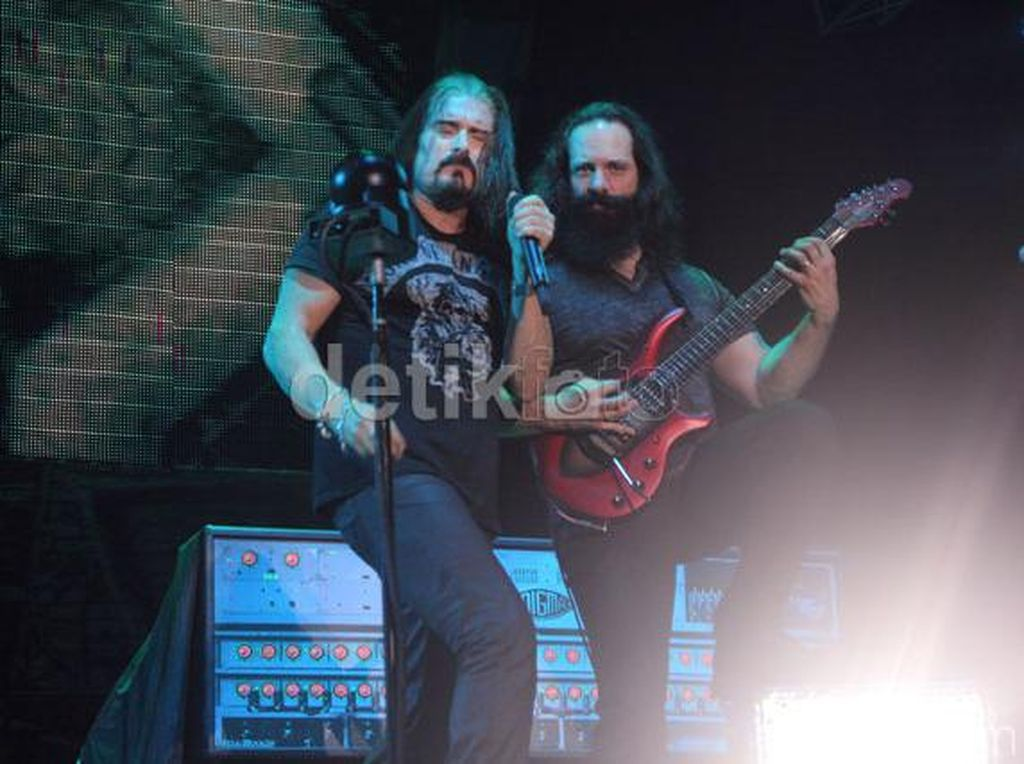 Pemerintah Belum Beri Izin Konser Dream Theater di Prambanan