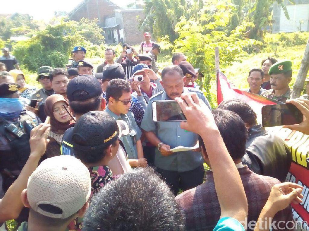 Eksekusi di Gunung Anyar Diwarnai Penolakan Pemilik Lahan