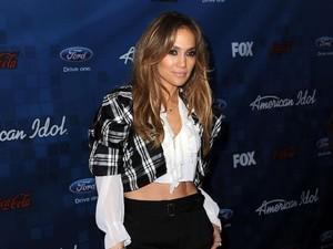 Jennifer Lopez Hilang Kontak dengan Keluarga Pasca Badai di Puerto Rico