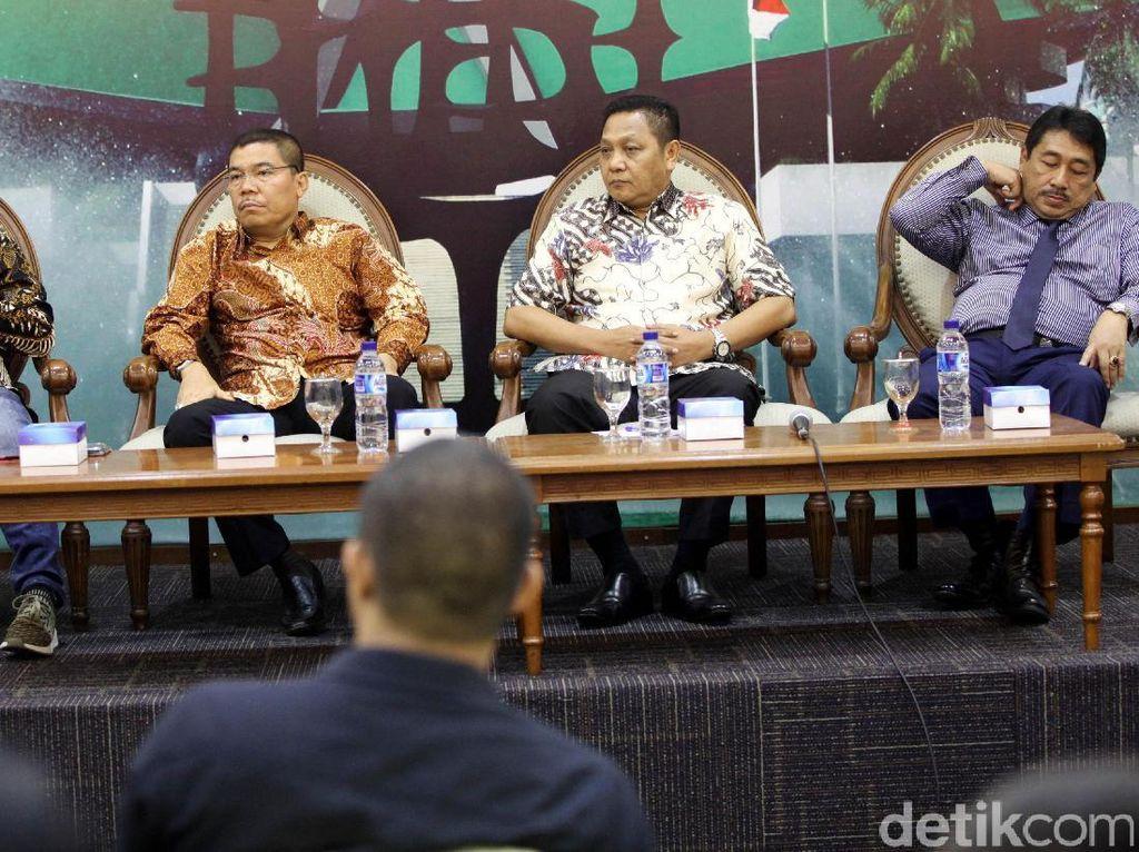 Diskusi Keberadaan Pansus Angket KPK