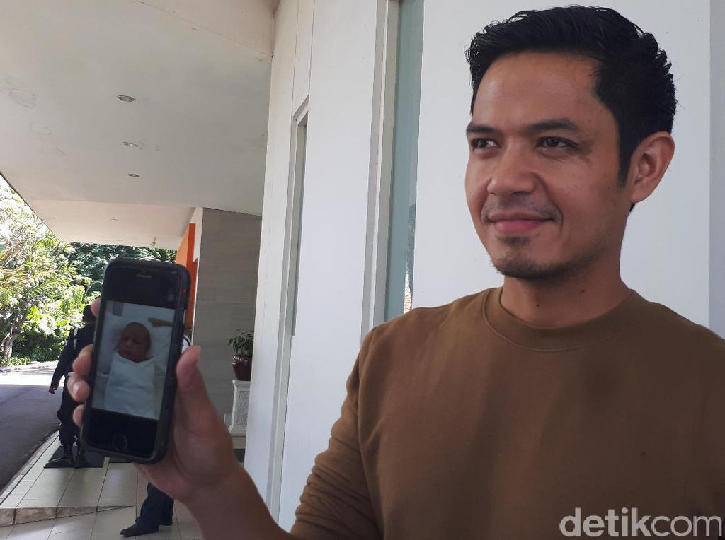 Kata Dude Harlino Soal Intoleransi di Indonesia