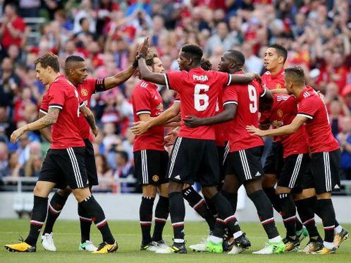 Pemain Manchester United merayakan gol ke gawang Sampdoria (Paul Faith/AFP)