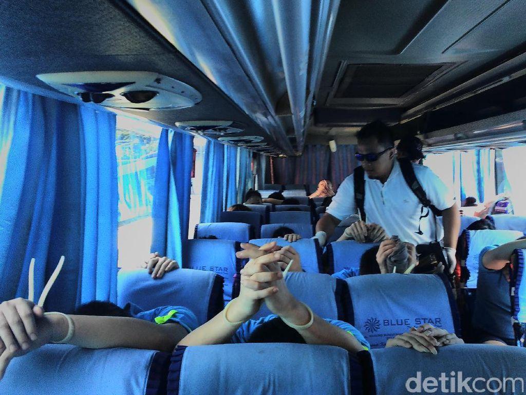 Proses Deportasi 143 WN China Penipu Siber