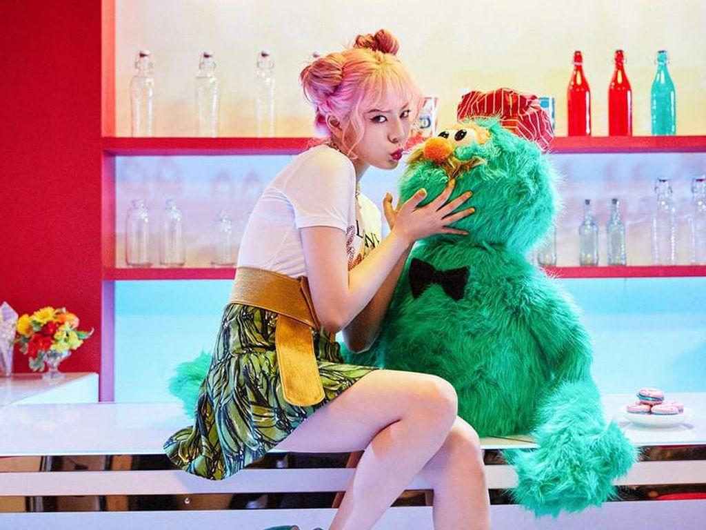 Sunny SNSD Menggemaskan di Teaser Holiday Night