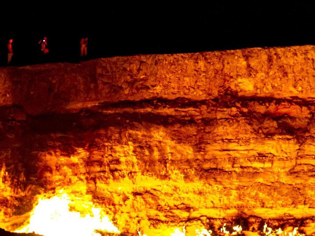 4 Golongan Manusia Ini Haram Tersentuh Api Neraka