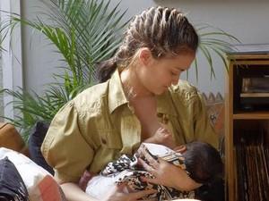 Foto: Deretan Selebriti yang Memilih Menyusui Anaknya