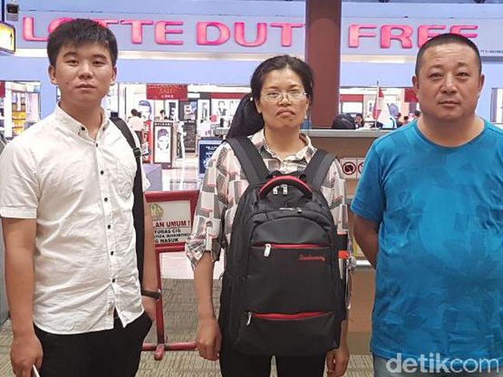 Imigrasi Surabaya Deportasi Tiga WN China