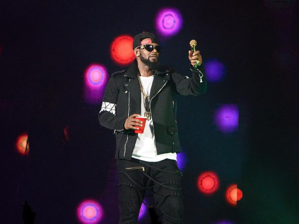 R Kelly Ditahan dengan Jaminan Rp 1,4 T