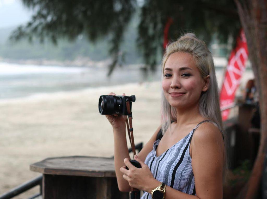 Cerita Marischka Prudence Temukan Sampah Jadul saat Bersihkan Laut