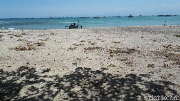 Pantai di Ciletuh