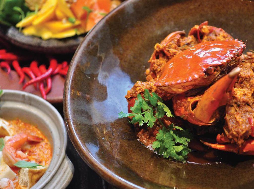Yuk, Cicipi Chilli Crab dan Hainan Chicken Rice Kreasi Chef Singapura di Sini!